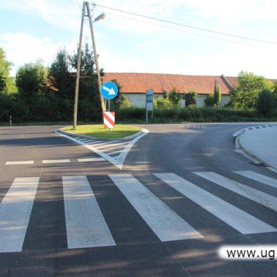 Nowe skrzyżowanie i nowy chodnik w Krzeczynie Wielkim