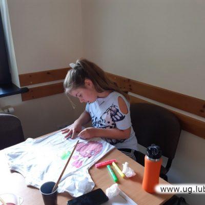 Malowanie na koszulkach na wakacjach z OKGL