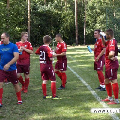Drużyna piłkarska Park Targoszyn w grze