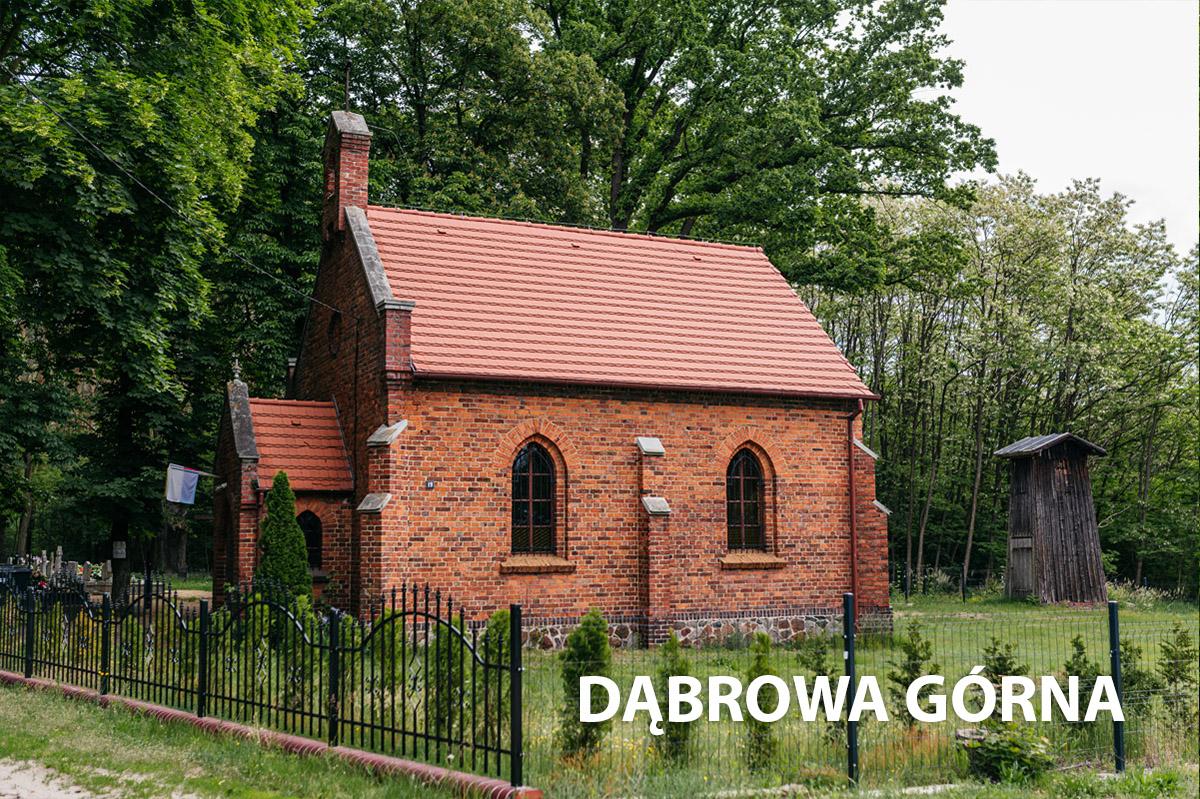 Dąbrowa Górna- kościół na tle lasu