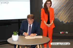 Podpisanie porozumienia w sprawie rozwoju sieci