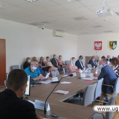 Radni podczas sesji Rady Gminy Lubin