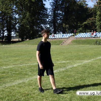 Mężczyźni na boisku