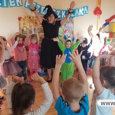 Zabawy w przedszkolu w Raszówce