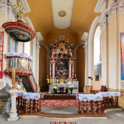 Kościół parafialny ołtarz