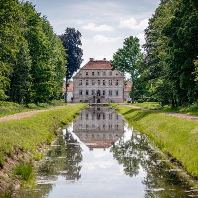 Pałac w Krzeczynie Małym-widok z wody