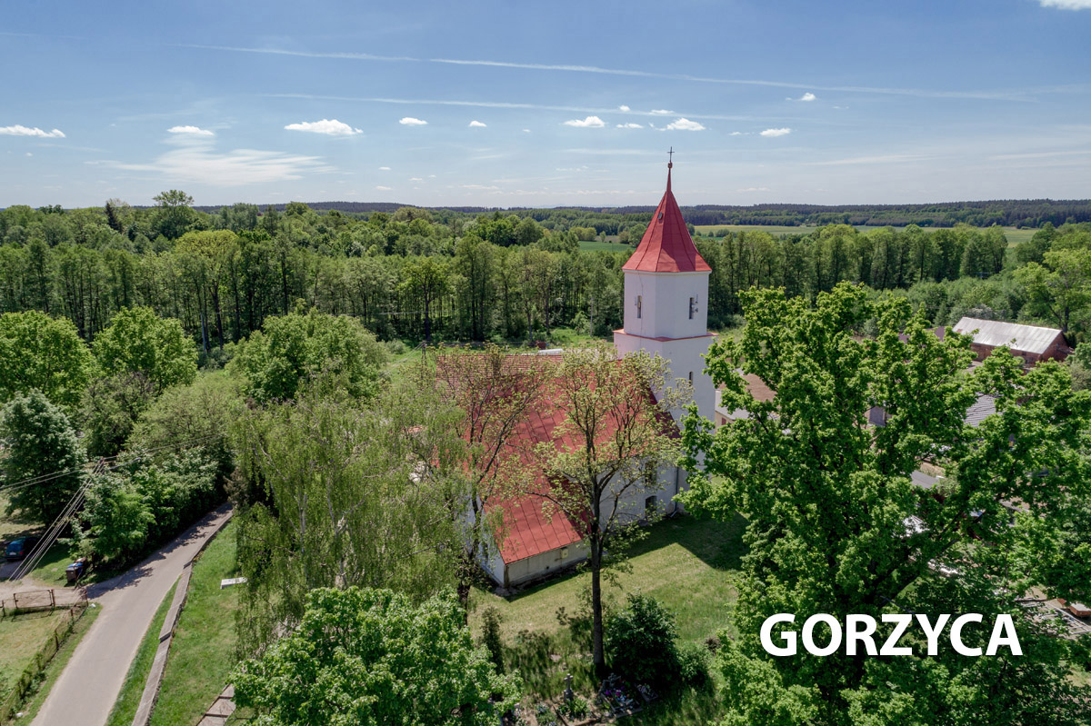 Widok na kościół w Górzycy