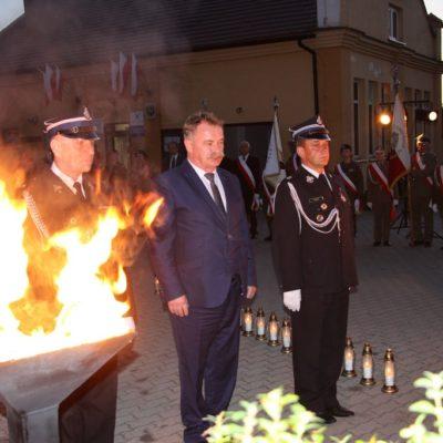 Wójt Gminy Lubin Tadeusz Kielan składa hołd
