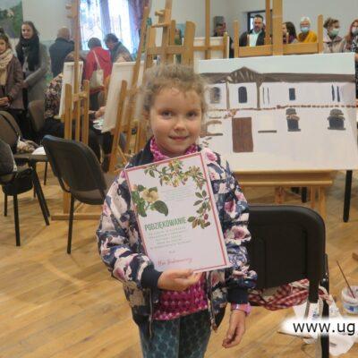 Maja - najmłodsza uczestniczka warsztatów ma prawie 6 lat.