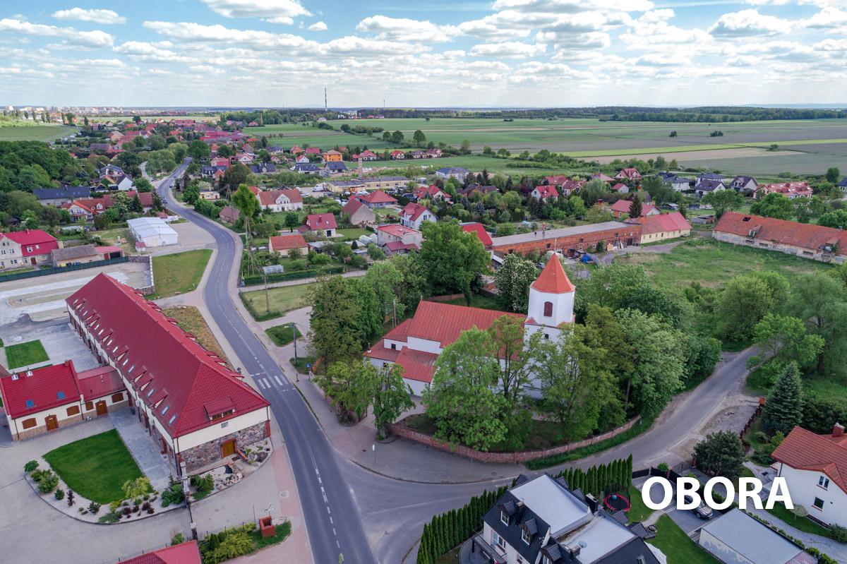 Widok na centrum wioski Obora