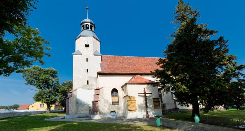 Kościół parafialny w Miłoradzicach
