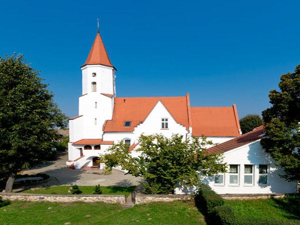 Kościół parafialny w Osieku