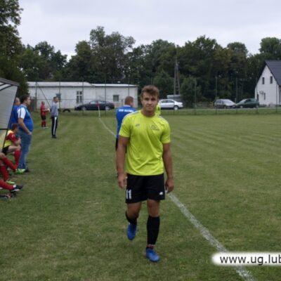 Piłkarz Victoria Niemstów