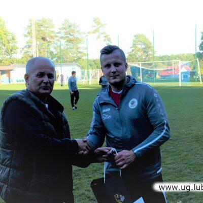 Najlepszym zawodnikiem meczu wybrany został Patryk Maciej z KS Kłopotów-Osiek.