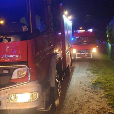 Na miejscu były cztery wozy strażackie.