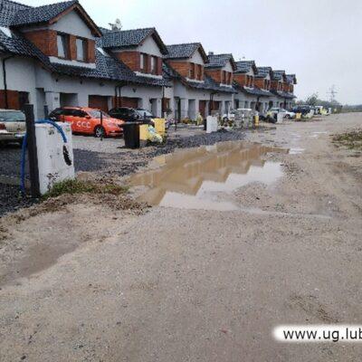 Osiek ulica Srebrna - nie podjęto działań, brak zagrożenia mienia.