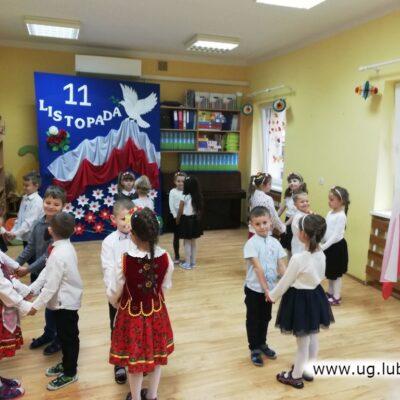 Odtańczono także ludowe tańce.