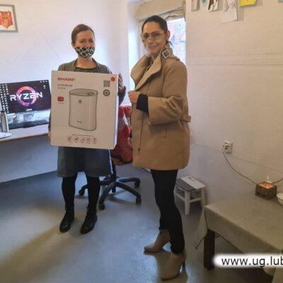 Nagrodę odbiera Aleksandra Sieradzka