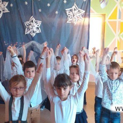 Układy taneczne, ruch i piosenka - to najmłodsi lubią najbardziej!