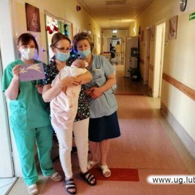 Przedstawiciele szkoły byli z wizytą także w szpitalu.