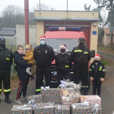 OSP Raszówka przed wyjazdem do Polkowic.