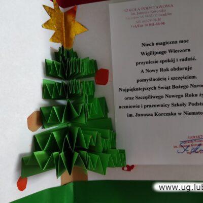 Kartka z życzeniami od dzieci, rodziców i kadry szkoły w Niemstowie.