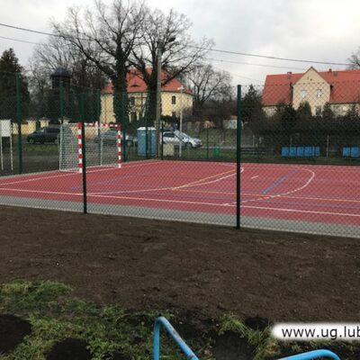 Nowe boiska w Czerńcu i Składowicach.