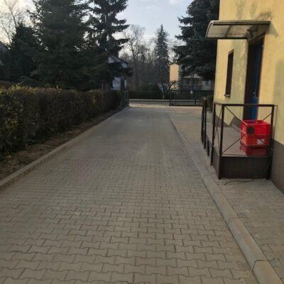 Nowa droga wewnętrzna przy szkole w Siedlcach.