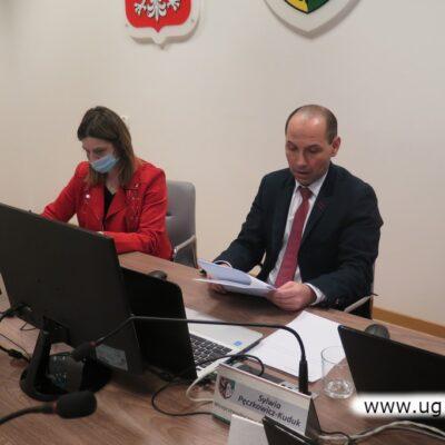 Obrady prowadził Andrzej Olek, wiceprzewodniczący rady