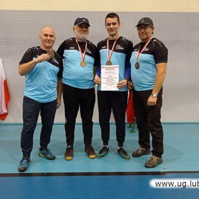 Duma z zasłużonych medali