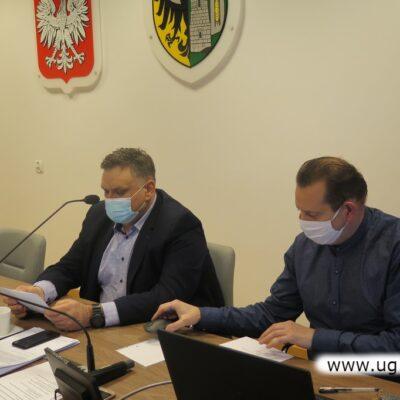 Obrady prowadził Norbert Grabowski, przewodniczący Rady Gminy