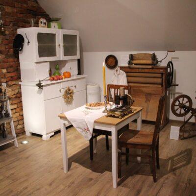 Kuchnia stanowiącego pierwszą część ekspozycji.