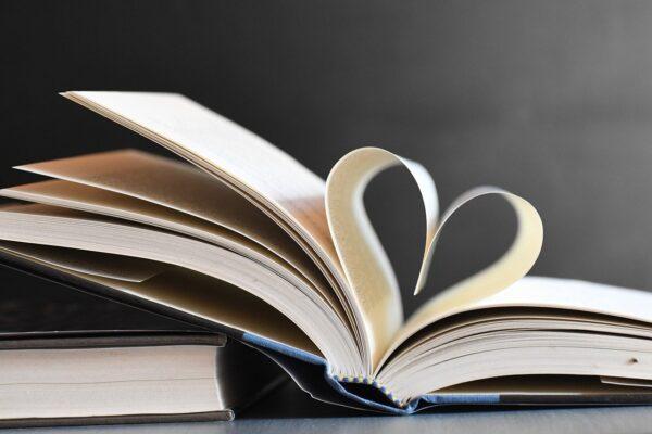Książka z sercem.