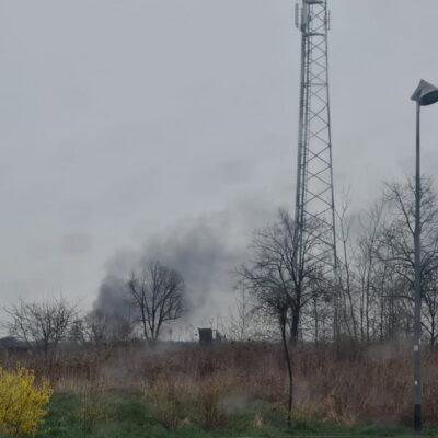 Dym widoczny z daleka.