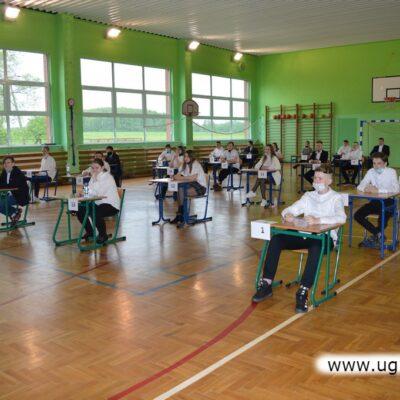 Egzamin w Szkole Podstawowej im. Marii Konopnickiej w Krzeczynie Wielkim